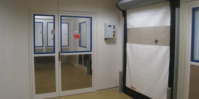 Utrzymywanie pomieszczeń w hermetycznej czystości w zakładzie produkcji leków